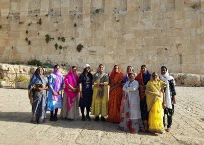 תיירים צבעוניים מהודו